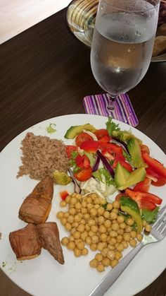 Sweet potato, chickepeas,tuna and salad Daily Meals, Tuna, Cobb Salad, Sweet Potato, Challenge, Potatoes, Cheese, Food, Meal