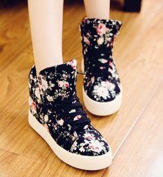 Newest Casual printed-Sneakers Flat Heel Sneakers (black,cream) - stylishplus.com