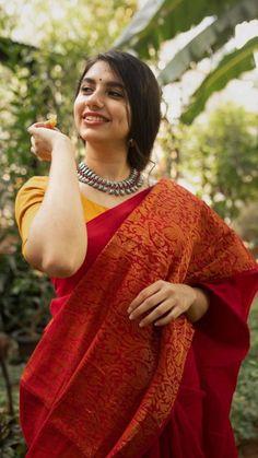 Indian Photoshoot, Saree Photoshoot, Saree Poses, Indian Fashion Dresses, Saree Fashion, Indian Outfits, Saree Trends, Stylish Sarees, Elegant Saree
