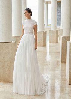Princess Wedding Dresses, Dream Wedding Dresses, Bridal Dresses, Wedding Dress Topper, Rosa Clara Wedding Dresses, Diy Wedding Dress, Gown Wedding, Wedding Bride, Brautkleid High Neck