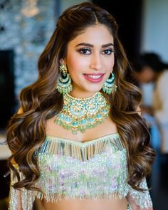 90 Bridal Hairstyles For Indian Brides Oval Face Hairstyles, Open Hairstyles, Bride Hairstyles, Pretty Hairstyles, Hairstyle With Suit, Party Hairstyle, Bridal Hair Inspiration, Oval Face Shapes, Bridal Hairdo