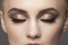 Kreska na oku, oko Marilyn Monroe, jak namalować czarną kreskę