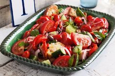 We're feeling the amore for a bit of muncho Italiano! Here are our favourite Italian recipes for you to try. Summer Recipes, Great Recipes, Dinner Recipes, Italian Bread Salad, Vegetable Sides, Ciabatta, Caprese Salad, Mojito, Salads