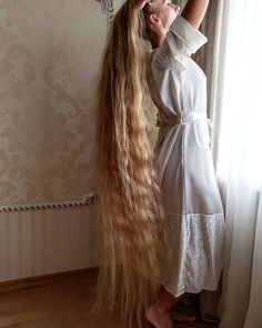 Real-life Rapunzel who hasn't had a haircut in 28 YEARS can find Rapunzel and more on our website.Real-life Rapunzel w. Cut Her Hair, Hair Cuts, Underdye Hair, Hair Ponytail, Blonde Hair, Lomg Hair, Pentecostal Hairstyles, Real Life Rapunzel, Vida Real