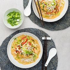 Singapore Chicken Laksa with Vermicelli Noodles - My Food Bag Recipes With Vermicelli Noodles, Healthy Canned Soups, Chicken Laksa, Spicy Soup, Cooking Recipes, Healthy Recipes, Healthy Food, Paleo Dinner, Convenience Food
