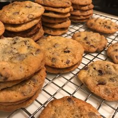 Sweets Recipes, Cookie Recipes, Desserts, Cafe Menu, Chocolate Chip Cookies, Baked Goods, Food And Drink, Treats, Snacks