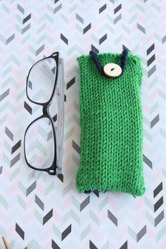 Knit by Bit: free glasses case knitting pattern at LoveKnitting Easy Knitting, Knitting Patterns Free, Knit Patterns, Free Pattern, Making Scarves, Free Glasses, Knitted Bags, Knitted Gifts, Knitting Projects