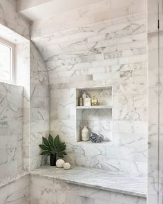 Contemporary and Modern Bathroom Tile Ideas to Design New Interior Looks Master Bathroom Shower, Shower Niche, Bathroom Renos, Neptune Bathroom, Bathroom Ideas, Spa Bathrooms, Luxury Bathrooms, Bathroom Designs, Modern Bathroom