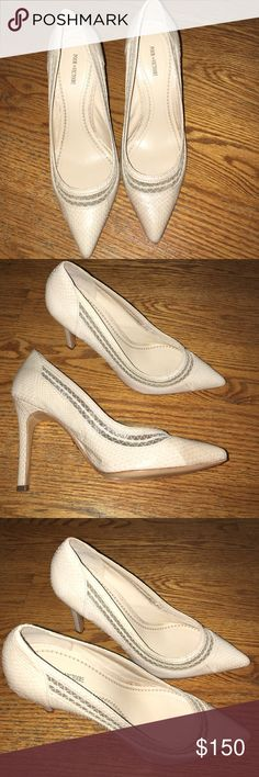 Worn once really cute heel Pointy toe Pour la Victoire Shoes