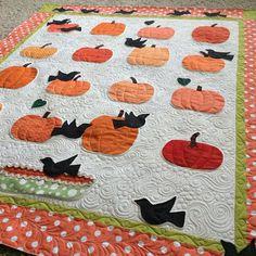 Susan's adorable pumpkin quilt all quilted up! #pumpkinquilt