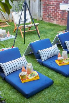 DIY Movie Seats #outdoormovie #movienight #diymovieseats
