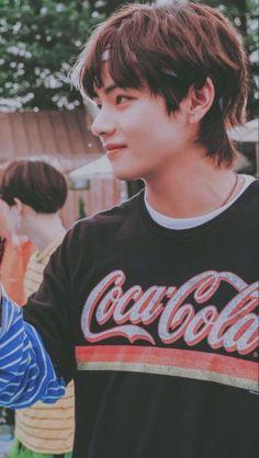 such a cutie ☀☀ kim taehyung , bts , v , tae Bts Taehyung, Jimin, Bts Bangtan Boy, Namjoon, Daegu, Jung So Min, Foto Bts, Taekook, Bts Kim