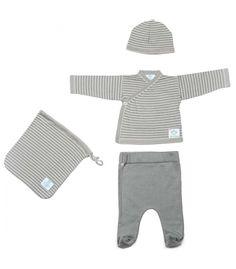 Conjunto de algodón orgánico para los primeros meses de tu bebé.