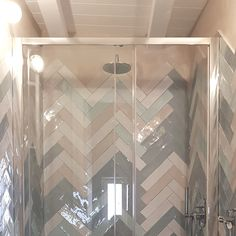 Paola sola architetto - bathroom covering made with 7.5x30 tiles from the Crayon collection by Tonalite