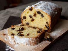 Recipe quick cake with raisins Baking Recipes, Cake Recipes, Dessert Recipes, Desserts, Quick Cake, Sour Cream Cake, Sweet Bakery, Pan Dulce, Baking And Pastry