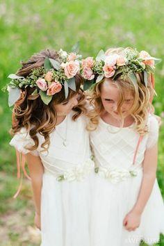 Wedding flower girl hairstyle idea; photo: Mango Studios