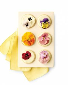 Precious Pansy Cookies Edible pansies give shortbread cookies texture and color as only nature can. They look catered, but these sweet treats can be turned out by anyone capable of turning on an oven: Bake sugar cookies, decorate with royal icing, and top each with a fresh pansy (or two).