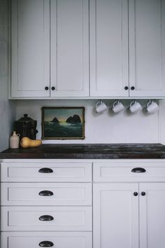 Before and After: A Modern Rustic Kitchen Makeover - Wooden kitchen countertop Kitchen Wall Cabinets, New Kitchen, Rustic Kitchen, Installing Kitchen Cabinets, Home Kitchens, Rustic Modern Kitchen, Kitchen Design, Kitchen Cabinet Remodel, Upper Kitchen Cabinets