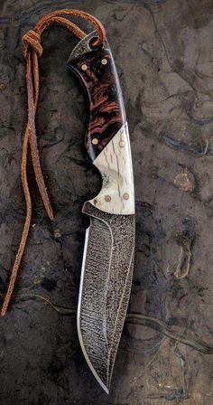 Custom Every Day Carry Knives, Tactical Knives, Hunting Knives, Bushcraft and camp knives, Fixed Blade Damascus Knife, Damascus Steel, Cool Knives, Knives And Swords, Messer Diy, Trench Knife, Knife Handles, Knife Sheath, Handmade Knives