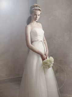 Fall 2013 White by Vera Wang Collection - Fashion Diva Design