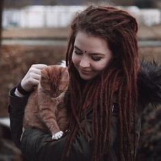 I've visited my brother recently and got to say hi to his kitty 😻 so in love!  #dreadlocks#dreads#dreadstagram#girlswithdreads#mightylocks#dreadication#wonderlocks#mydreadslife#dreadlocklifestyle#dreadshare#dreadsrule#dreadsworld#dreadlovin#wiccac#witchesofinstagram#greenwitch#pagan#paganism#naturelovers#catstagram#animallove#veganlove#agameoftones#humanedge#simpleandpure