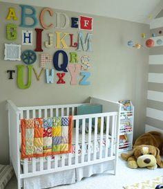 Decorar quarto de bebê pode ser o melhor jeito de deixar aquele cantinho personalizado desde o nascimento da criança. E se for mais barato, então...!