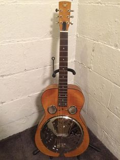 #GibsonFamilyOfBrands #DobroDWhoundDogDeluxe #Dobro #Resonator Condition: This is a near perfect, mint  condition, manufacturer refurbished guitar and I can't see any noticeable imperfections. This guitar plays great, sounds great, and looks great too.