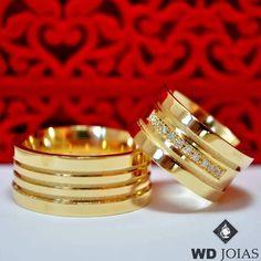 Aliança Casamento Ouro Polida e fosco 10mm 30g MJO30 Gold Wedding Rings, Wedding Bands, Gold Rings, Engagement Rings Couple, Wedding Engagement, Ring Cake, Gold Ring Designs, Gold Money, Expensive Gifts