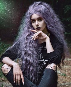 22 Best Honey Brown Hair Color Ideas for Light or Dark Hair in 2019 - Style My Hairs Face Shape Hairstyles, Frontal Hairstyles, Hair Color Purple, Cool Hair Color, Punk Hair Color, Curly Purple Hair, Faded Hair Color, Girl With Purple Hair, Punk Rock Hair