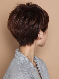 easy hairstyles for kids Short Hairstyles For Thick Hair, Medium Short Hair, Haircut For Thick Hair, Short Hair Styles Easy, Short Hair Cuts For Women, Girl Short Hair, Easy Hairstyles, Curly Hair Styles, Shot Hair Styles