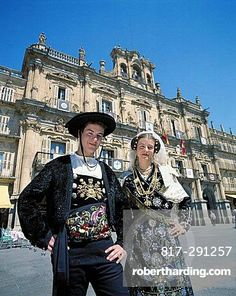 10513428, Spain, pair, couple, national costume, folklore, town, city, place, . 10513428, Spain, pair, couple, national costume, folklore, town, city, place,