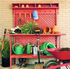 This is a fun potting bench!  I think I could make this?!