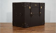 The hallmark of luxury, a personalised Harrods hamper makes an indulgent treat for family or friends. Waiting to be filled with luxurious treats from Harrods' legendary Food Halls, the Leather Trunk features a studded heritage design with classic pin buckle straps and locks.