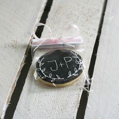 Spersonalizowane ciasteczko to dobry pomysł na podziękowania dla gości