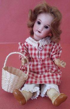 Poupée Mignonette tête Porcelaine Bouche ouverte SFBJ 301 PARIS Antique Doll