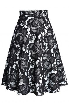 awesome My Dear Roses Lace A-line Midi Skirt in Black - Retro, Indie and Unique Fashion. Modest Outfits, Skirt Outfits, Dress Skirt, Midi Skirt, Dress Up, Pretty Outfits, Beautiful Outfits, Cute Outfits, Unique Fashion