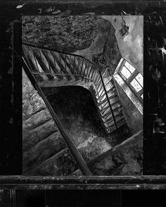 Staircase | Oil on Alu Dibond | 30x40cm Original available on www.christianklute.com (link in bio)  #painting #lostplace #monochrome #oilpainting #painter #fineart #artwork #realism #instaart #staircases #workinprogress #lostplaces #urbanlandscape #urban #landscape #stilllife #blackandwhite #bnw_society #bw_lover #bnw #monoart #monochromatic #noir #artsindemand #artscrowds #artsbeautifulx #artsnewss #instaartexplorer #darkartists