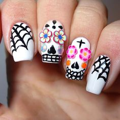 Top 18 Skull Halloween Nail Designs – New Trend For Simple Easy Home Manicure - HoliCoffee Halloween Nail Designs, Halloween Nail Art, Fabulous Nails, Perfect Nails, Hot Nails, Hair And Nails, Fancy Nails, Pretty Nails, Nail Art Designs
