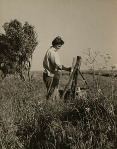 Joan Eardley artist noted for her portraiture of Glasgow street children and Scottish landscapes Portrait Quotes, Popular Artists, Famous Artists, Process Art, Art Studios, Artist At Work, How To Memorize Things, Pastel Paintings, Face Paintings
