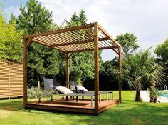 Tonnelle CUBIK toit bois JARDIPOLYS - Ref. 0321200 - En sapin européen traité autoclave, cette tonnelle de jardin est vendue en kit. Le plancher est intégré. Dimensions : diam. 235 x h 255 cm.
