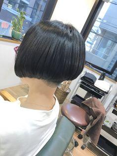刈り上げ前下がりボブスタイル&本日はお休みでっす♪ | 神戸三宮の美容室 kiki-kobe