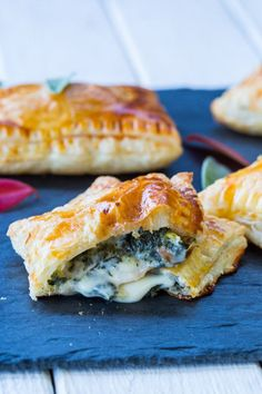 Need a way to get your kids to eat their vegetables? Try these Cheesy Kale Hand Pies! #SkinnyMs
