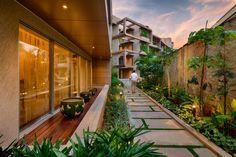 """El complejo """"Kings House"""" resulta un verdadero oasis entre la jungla urbana de Bangalore en la India. Querrás vivir en este departamento."""
