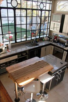 Kitchen Bar Design, Kitchen Decor, Interior Design Colleges, Diy Room Decor, Home Decor, Home Kitchens, Wabi Sabi, Living Spaces, Sweet Home