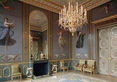 Interior of the Salon de Musique in the appartment of Hortense de Beauharnais | Social Studies, The Arts | Image | PBS LearningMedia