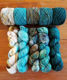 & A very special client wanted an Aquatic Fade but in our single ply Pumice. Each skein is over so it should work well for the Faded… Yarn Thread, Yarn Stash, Yarn Inspiration, Spinning Yarn, Yarn Bowl, Textiles, Sock Yarn, How To Dye Fabric, Hand Dyed Yarn