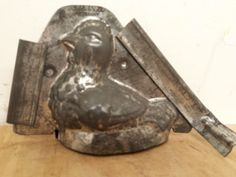 Chocolate Mold Sitting Hen M.T. Co. Schokoladen Form Nickel Aluminum 8 #SCHOKOLADENFORM