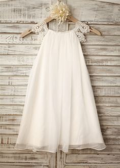 This dress is made of good quality chiffon and crochet lace.Loose fitting chiffon skirt which allows enough room for the girls to play and run.Special pattern lace cap sleeves for vintage taste.It is perfect for beach,country,church or natural themed wedding.