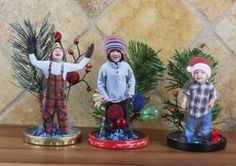 This fun & easy project can be done with supplies you probably already have! Create a winter wonderland, & even place a photo inside these DIY Snow Globes! Preschool Christmas, Christmas Crafts For Kids, Christmas Activities, Christmas Projects, Winter Christmas, Holiday Crafts, Holiday Fun, Christmas Gifts, Christmas Decorations