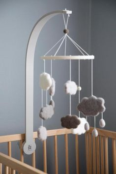 Sebra mobile holder and warm grey, attach to your cot and hang your favourite mobile above your little ones cot. Baby Cot Mobiles, Baby Crib Mobile, Hipster Babys, Best Baby Cribs, Mobile Holder, Diy Bebe, Cot Bedding, Large Furniture, Nursery Furniture